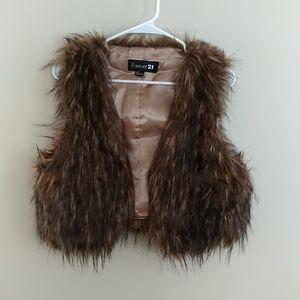 Forever 21 faux fur vest size large
